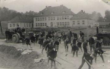 Szkoła po wybudowaniu